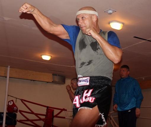 И.о. вице-мэра последние шесть лет занимается тайским боксом муай-тай.