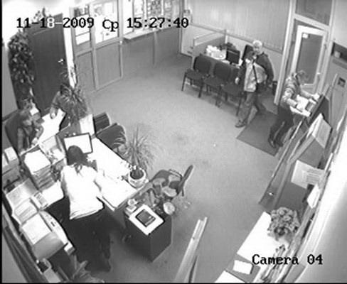 Вор занимается грабежами не первый год. Скриншот с видео