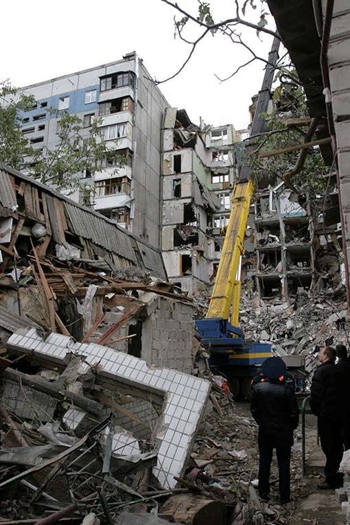 13 октября 2007 года от взрыва газа разрушились два подъезда.Фото из архива