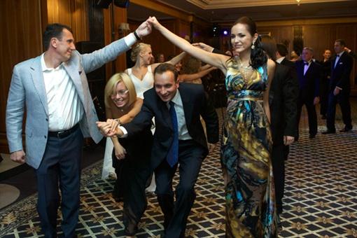Умение танцевать на донецком балу вовсе необязательно