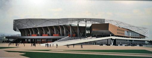 Еще в апреле 2010 года Платини показывали на месте будущего стадиона большую яму с грязью.