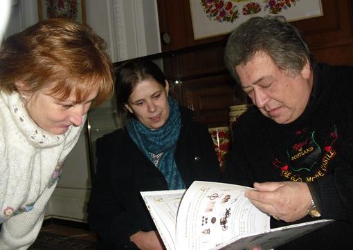 Слева направо: одна из авторов путеводителя Светлана Ивлева, художница-иллюстратор Мария Козолуп и фотограф Олег Слуцкер.