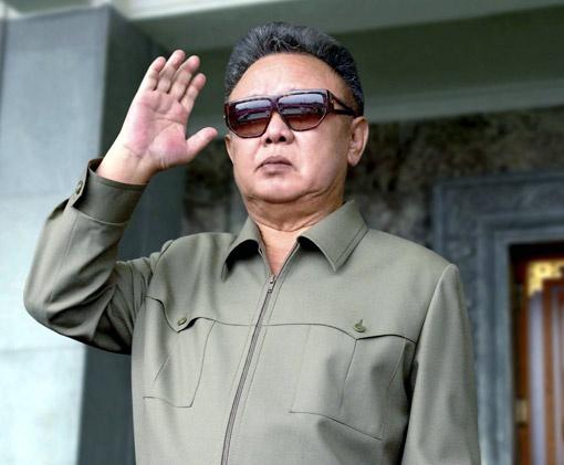 Ким Чен Ир: одевается строго, но со вкусом.