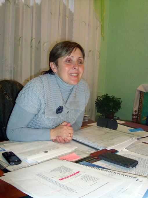 Валентина Бевзюк - директор Вовковинецкой общеобразовательной школы- интерната для сирот и детей, лишенных родительской опеки.