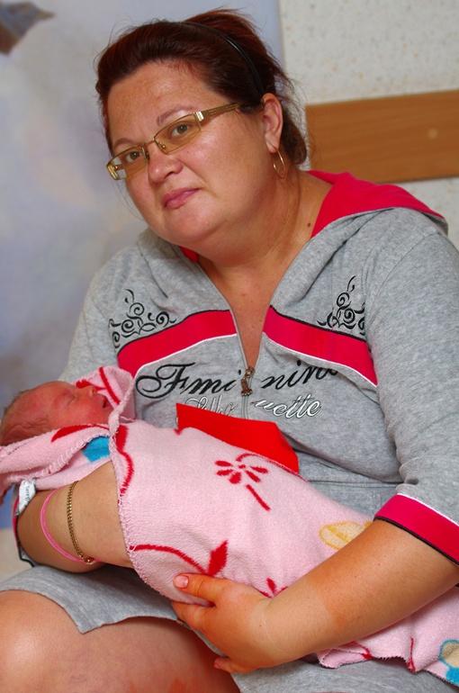 Мама Светлана пока не выбрала дочери имя.Фото Алексея Кравцова