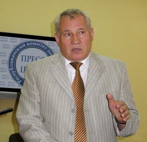 Николай Черевков недоволен работой крымских водителей маршруток и общественных автобусов. Фото автора.