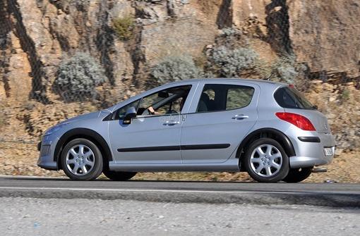 За счет увеличение колесной базы автомобиль получил большую управляемость и маневренность