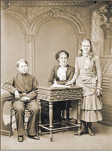 Анна Сниткина - вторая жена классика. Именно она дала ему ощущение теплого семейного очага.