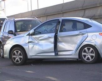 Люди в ДТП не пострадали. Фото: Магнолия-ТВ.
