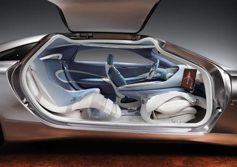 Передовой дизайн экстерьера и интерьера на базе совершенно новой архитектуры седана. Фото Mercedes-Benz.