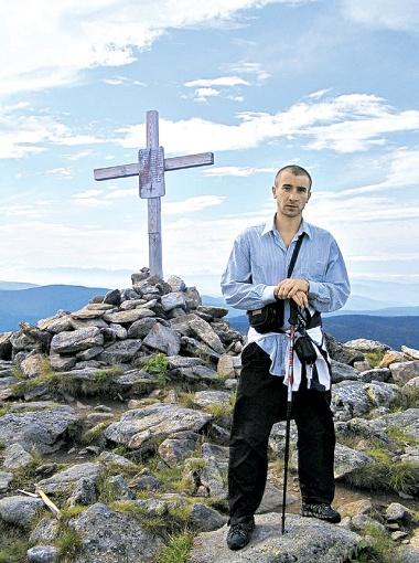 Антон Бондаренко отправляется в путь, чтобы привлечь внимание к человеческой беде.