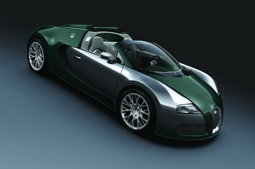 Третья версия окрашена в зеленые карбоновые тона с добавлением деталей из алюминия