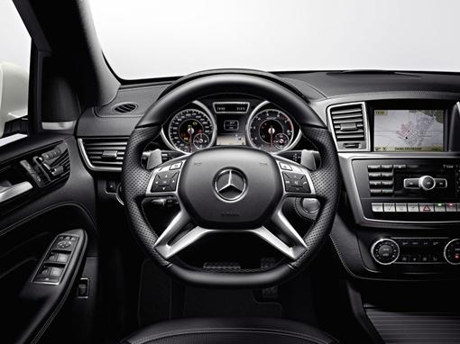 Авто оснащено новым 5,5-литровым битурбированным двигателем V8