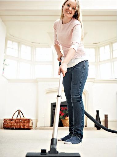 Даже домашние хлопоты помогают поддерживать хорошую форму. Фото Thinkstock.