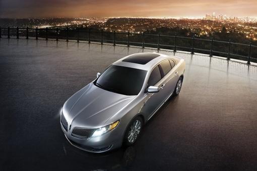 355-сильный 3,5-литровый V6 Ecoboost расходует 13,07 л/100 км в городе и 9,05 л/100 км на шоссе