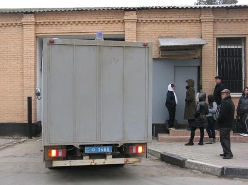 Сейчас гражданская жена Дикаева вместе с отцом находятся в СИЗО Симферополя.