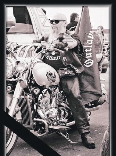 Андрей Гирнык-старший увлекался музыкой и мотоциклами. Но в конце жизни занялся ювелирным бизнесом.