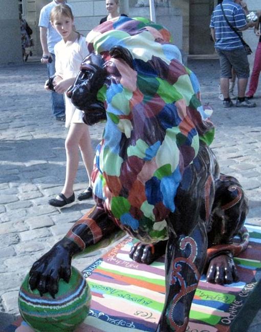 Луганские чиновники объясняют, что постоянно охранять львовский подарок невозможно