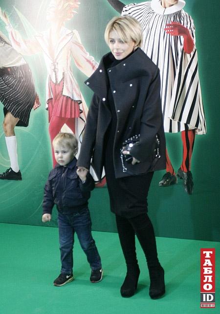 Певица Тина Кароль с сыном Вениамином. Фото: ТаблоID