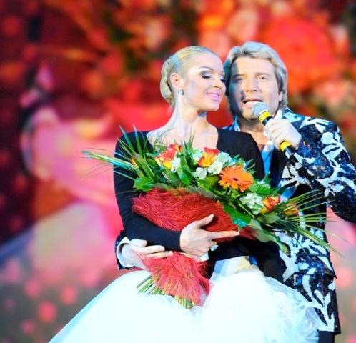 На сцене Николай Басков появился неожиданно. В программе его выступление не было заявлено.