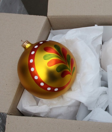 Декор выдержан в стиле яворовской игрушки. Фото пресс-cлужбы Львовской таможни.