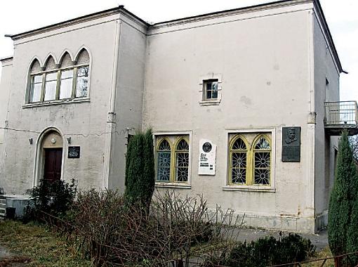 100-летний дом Мясоедова в Полтаве нуждается только во внешней реконструкции, внутри все сделано на века.