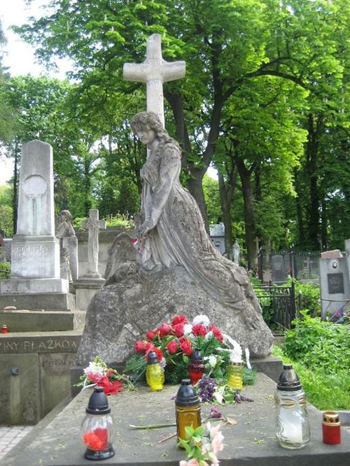 В этом году кладбищу исполнилось 225 лет
