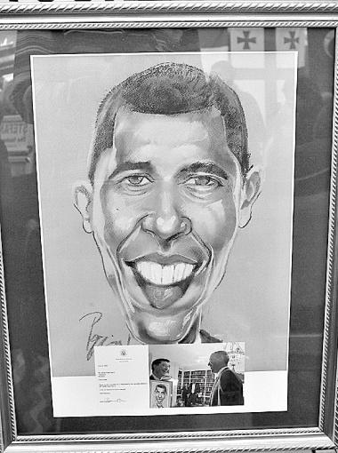 ...А президент США Барак Обама даже захотел иметь шарж на себя в своей личной коллекции.