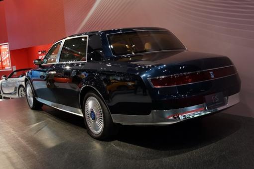 Предполагается, что прототип построен на базе Lexus LS 600 h.
