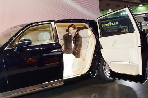 FS Hybrid Concept, выдержанный в стиле нынешнего флагмана Toyota