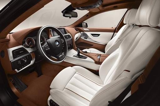 Дизайн интерьера идентичен 6-Series Coupe, хотя для отделки применены более эксклюзивные материалы. ФОТО: avtomaniya.com