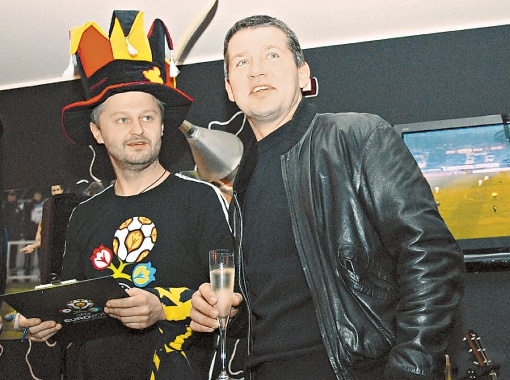 Васильков и Саленко шутили, но грустно. Фото Дмитрия НИКОНОРОВА.