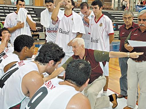 Валентин Мельничук поднял баскетбол в Португалии, но на пике популярности решил вернуться на родину.
