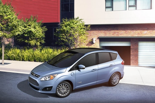 Компания Ford объявила, что начала производство своего первого легкового электромобиля. Фото avtomaniya.com.