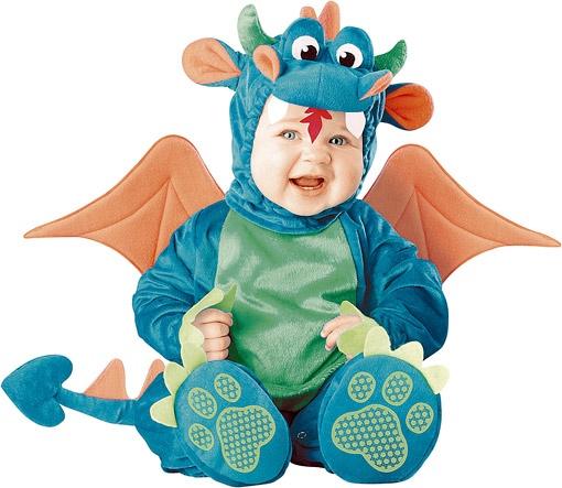 Главный тренд Нового года - костюм доброго дракоши - чаще покупают для малышей. Цена - около 500 гривен.