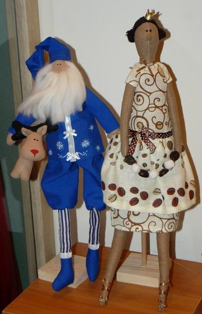 Так выглядят современные Дед Мороз и Снегурочка.