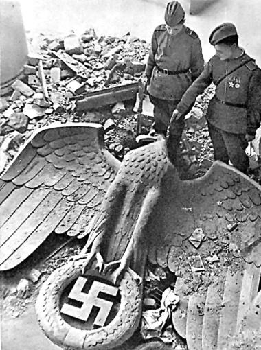 Советская армия взяла Берлин, но ни Гитлера, ни золота там уже не было.