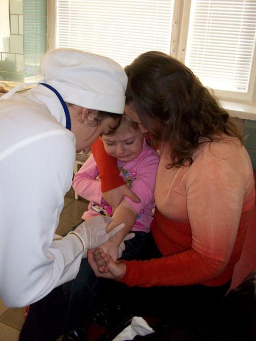 Врачи говорят, что только вакцинация может защитить от опасной инфекции.Фото из архива