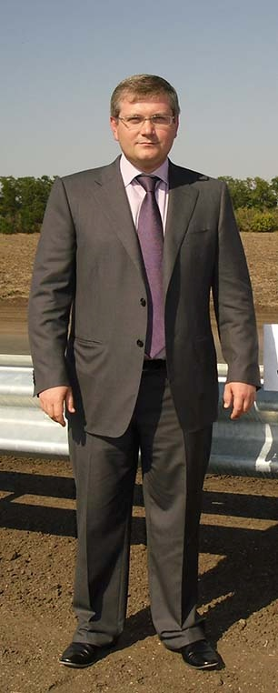 Глава области Александр Вилкул едва ли не ежедневно приезжал на объездную - контролировать ход работ.