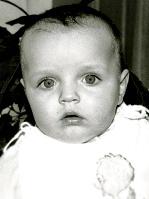 9 мая 1993 года, Жене едва исполнилось девять месяцев.
