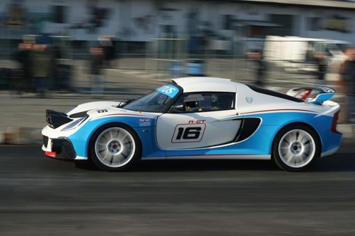 Автомобиль показал на трассе именно ту управляемость и скорость, на которую рассчитывали разработчики. ФОТО: avtomaniya.com