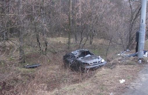 Водитель легковушки погиб на месте. Фото с сайта ТСН