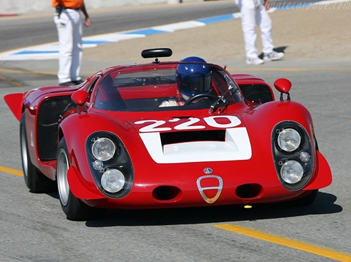Модели Alfa Romeo Tipo 33 создавались департаментом Autodelta. Фото: avtomaniya.com