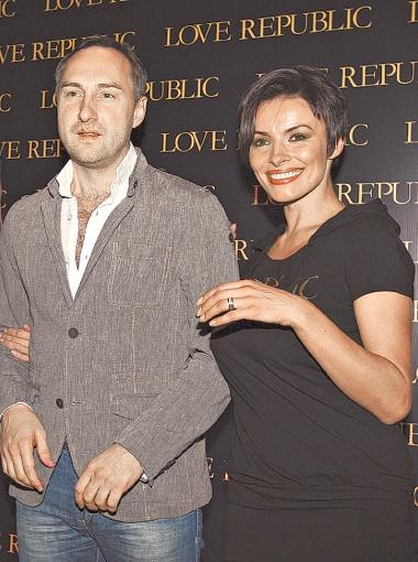 Надежда Мейхер и ее любимый Михаил Уржумцев пол будущего ребенка знают, но молчат.