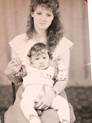 Лариса ждала мужа из армии вместе с Олегом (10 месяцев).
