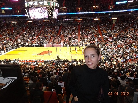 Также Катя посетила баскетбольный матч