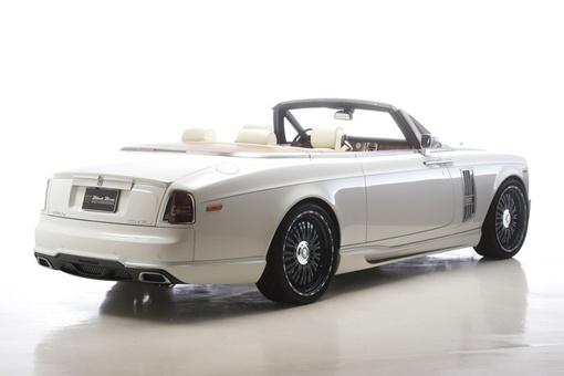 Японский тюнер Wald International внес креативные изменения в внешний вид авто.