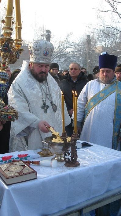 Архиепископ Изюмский Онуфрий пока руководит с приставкой и.о., но может ее лишиться.Фото из архива