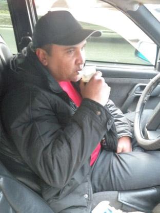 Стечение обстоятельств спасло жизнь одному из херсонских таксистов