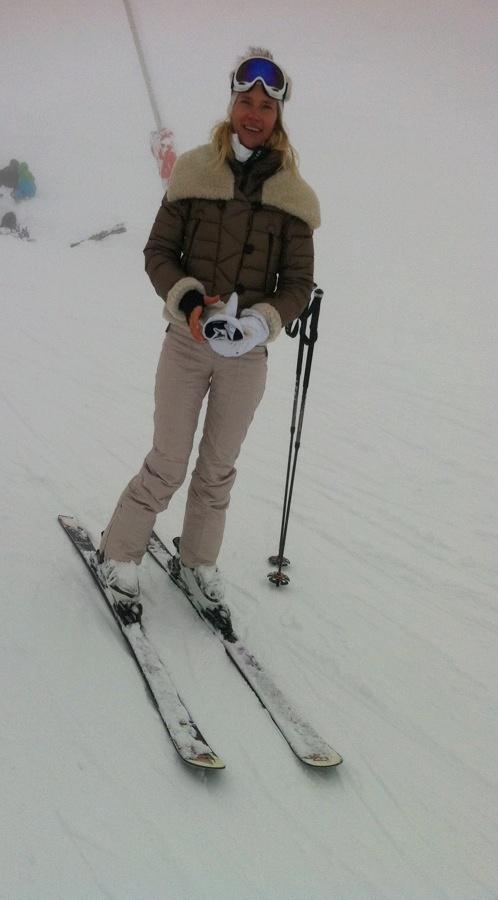 Наташа Ионова на лыжах. Фото: Пресс-служба Глюкозы